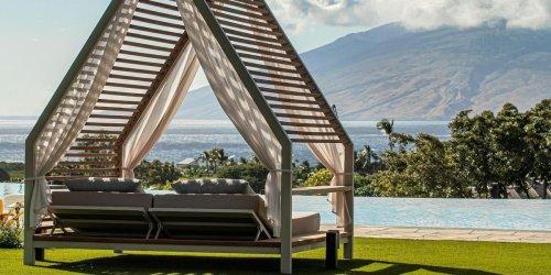 Modern Guide to Maui: Ocean-View Rooms, Waterfalls + Fresh Island Eats