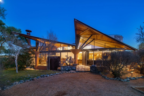 $17.5 million mansion designed by apprentice of Frank Lloyd Wright pops up on market