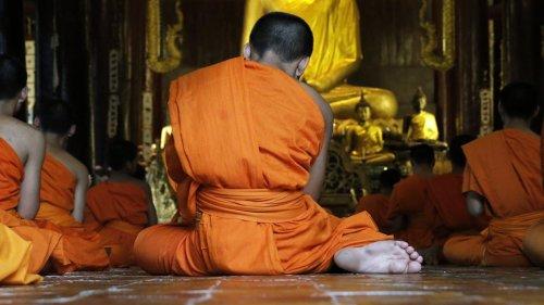The strange case of the dead-but-not-dead Tibetan monks
