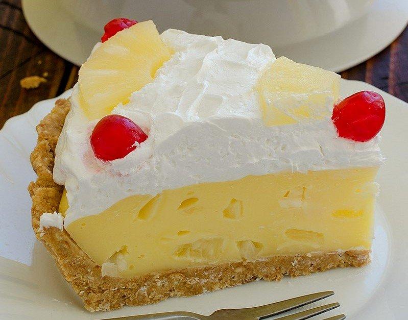 Amazing Pina Colada Desserts That Are Making A Comeback - cover