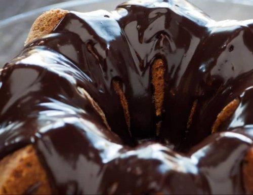 Creamy Éclair Bundt Cake