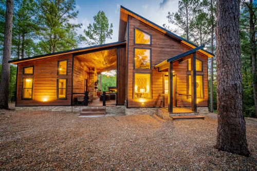 The Most Amazing Airbnbs for Families in All 50 States (& DC!)