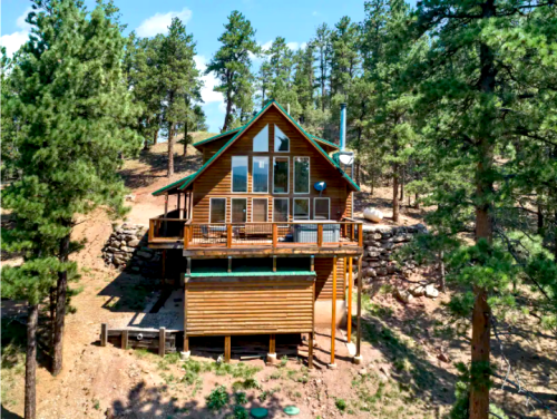 28 Cozy Cabins to Relax & Unplug with the Fam