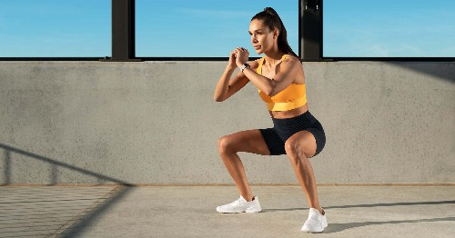 A 12-Minute, No-Equipment Workout For 2021 From Kayla Itsines