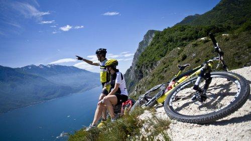 Rad fahren am Gardasee: Schöne Touren durch die Natur