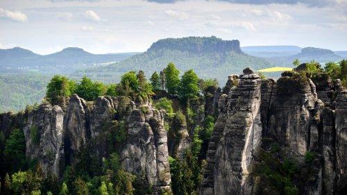 Sächsische Schweiz: Diese Felsen musst du beim Wandern sehen