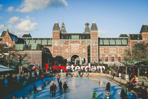 Amsterdam: Airbnb-Anbieter um 80% reduziert - dank Registrierungspflicht