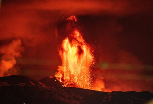 Vulkanausbruch auf den Kanaren - 5000 Einwohner und Touristen evakuiert