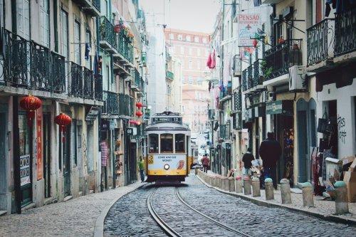 Portugal verlangt bei Einreise keinen PCR-Test mehr