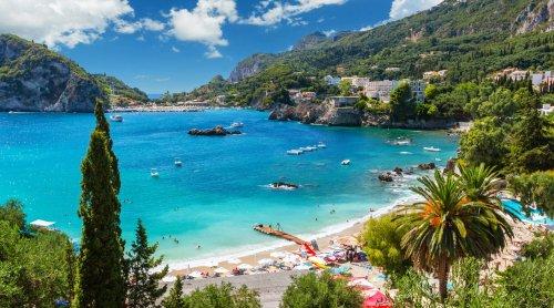 Korfu Strandhotels: die besten Traumunterkünfte auf der grünen Insel