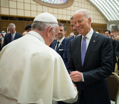 US bishops set collision course with Vatican over plan to press Biden Communion ban