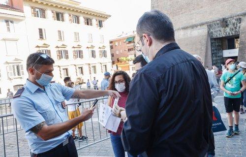 Vatican City enforces mandates for vaccines, COVID-19 test