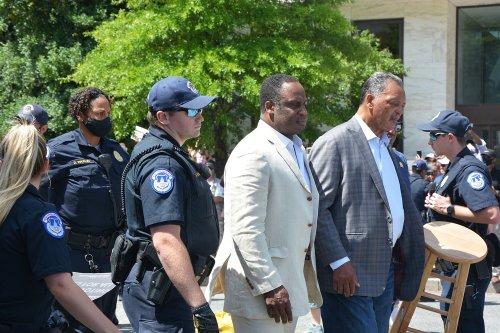 Jesse Jackson, William Barber arrested protesting filibuster and Manchin