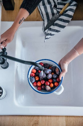 Domestic Science: A Surprising Miracle Cure for Berry Stains - Remodelista