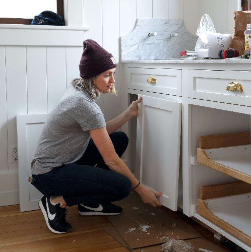 How to Paint Kitchen Cabinets By Hand: DIY Tips from Two Experts