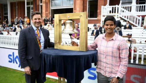 India women's star Deepti Sharma rings bell on Day 4 at Lord's to start proceedings