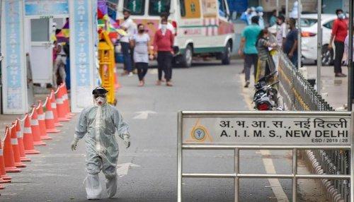 COVID-19 crisis: AIIMS Delhi stops contact tracing of exposed medics amid staff shortage