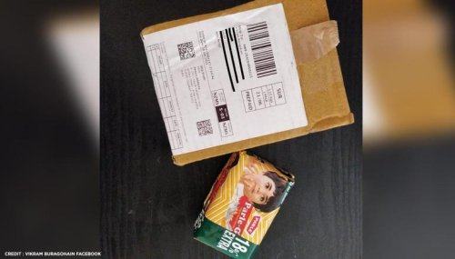 Man gets Parle-G biscuits instead of Toy car he'd ordered; laughs at own predicament
