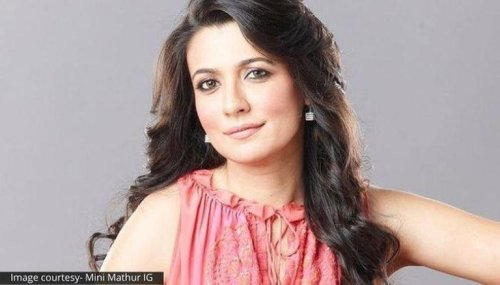 Mini Mathur shares a throwback photo, fans struggle to spot the anchor in it