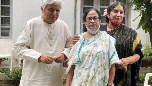 WB CM Mamata Banerjee meets Javed Akhtar in Delhi; asks him to compose 'Khela Hobe' song