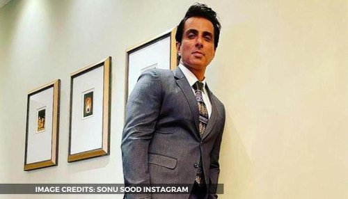 Sonu Sood gives tips on how to make the perfect dosa on the sets of film; watch