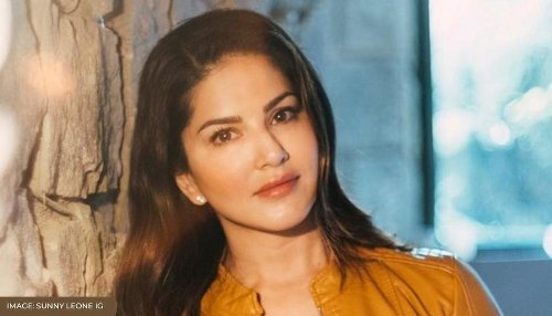 Sunny Leone gives a shoutout to her 'awesome fans' in Kerala, says 'Spread this pic'