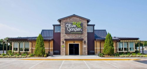 One Fair Wage sues Olive Garden parent over tipping policy
