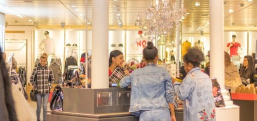 Relief checks, vaccine propel March retail sales up 28.5%