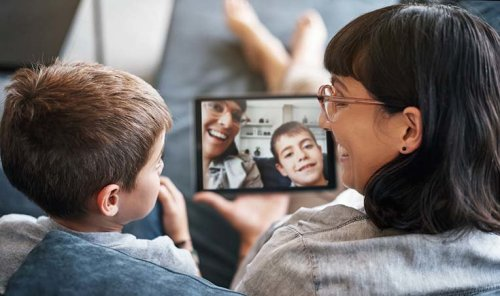 9 Cool Mother's Day Tech Gifts for 2021 That She'll Actually Use
