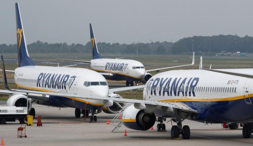 Ryanair shareholder calls for chairman's ouster