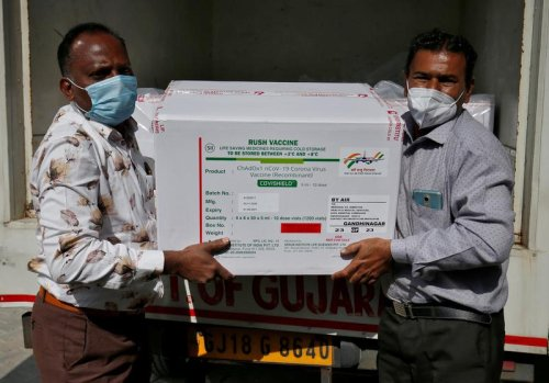 Rich, developing nations wrangle over COVID vaccine patents