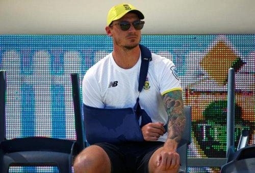 Steyn wades into du Plessis ball tampering debate
