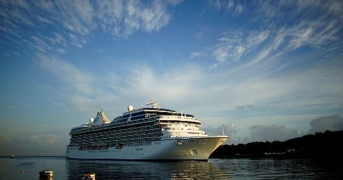 Norwegian Cruise sees plans for restarting U.S. sailing in July in jeopardy