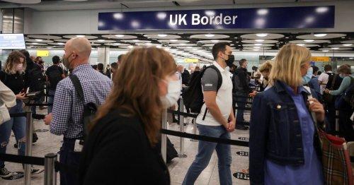 England to welcome double-vaccinated U.S. and EU tourists -FT