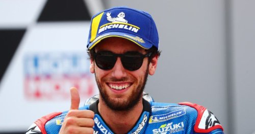 Rins reveals injury was caused by mobile phone distraction