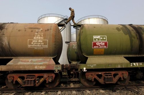 India approaches Halkbank to handle oil payment to Iran - Fars