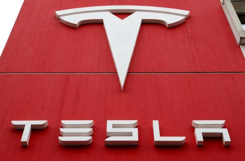 U.S. safety agency reviewing 23 Tesla crashes, three from recent weeks