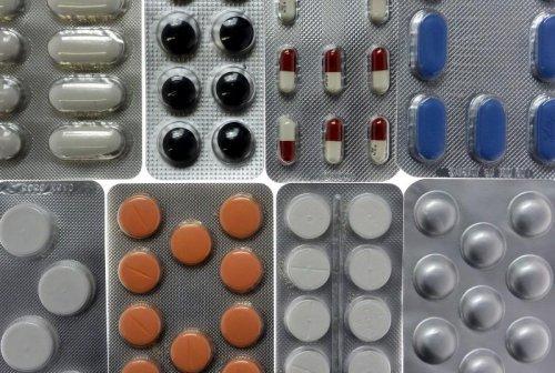 Seven $1 billion-plus drugs seen reaching market in 2016