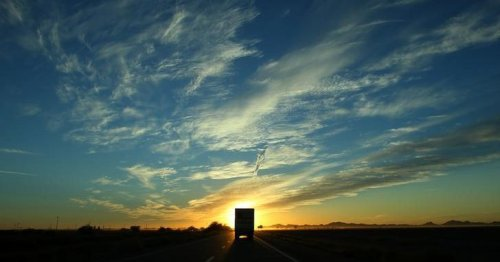 Trucking group asks SCOTUS to review Calif. classification law