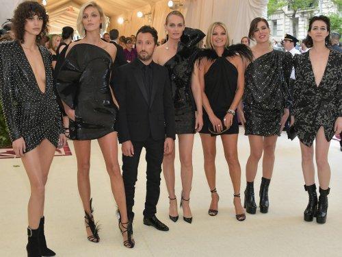 Kate Moss regresa al MET con Carlota Casiraghi y otras chicas malas