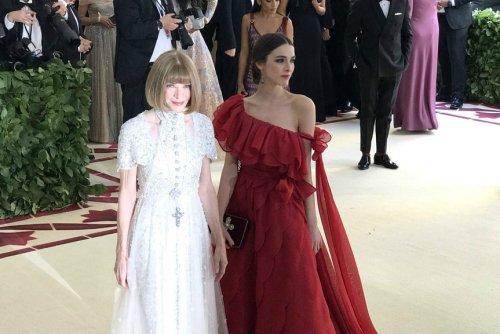 El look de Anna Wintour: la anfitriona era Donatella pero ella vistió de Chanel