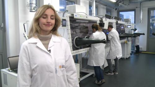 Première mondiale : une startup polonaise lance une production industrielle de cellules solaires en pérovskites