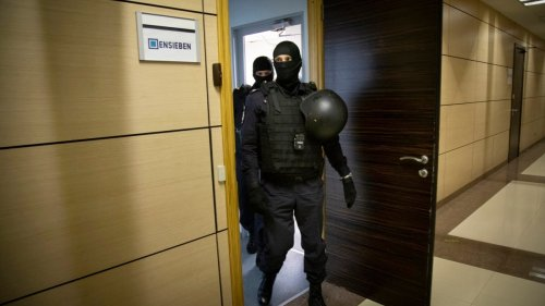 As Sweeping Crackdown Intensifies, Russians Wonder What Comes Next