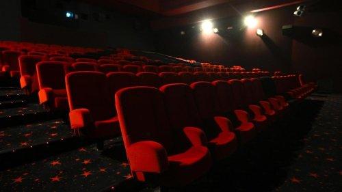 Reportage France - Déconfinement: les cinémas rouvrent en France