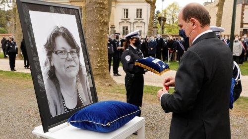 L'hommage de la France à la fonctionnaire de police Stéphanie Monfermé