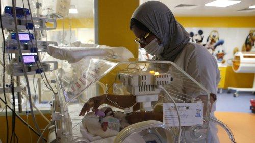 Maroc: les nonuplés maliens ont quatre semaines et se portent bien