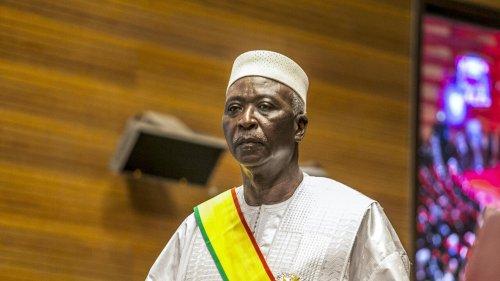 Mali: l'avocat de Bah N'Daw et Moctar Ouane se plaint de ne pouvoir rencontrer ses clients