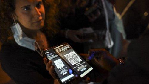 Invité France - Vote du «pass sanitaire»: «Ce passe risque de devenir un passeport du quotidien»