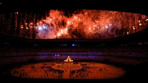 Linha Direta - Abertura dos Jogos de Tóquio é marcada por referências à Covid-19 e elogia resiliência de atletas