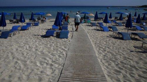 Chypre: «Les touristes vaccinés ne devront pas faire de quarantaine même s'ils sont cas contact»